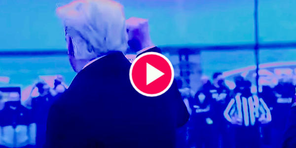 Military Standing Ovation for Trump During Army Vs Navy Football Game…